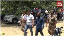ATM से ठगी करने वाला ठग गिरफ्तार, 12 एटीएम समेत तमंचा बरामद