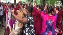 सरकार ने दिया आशा वर्कर्स को तोहफा, ढोल की थाप पर नाच कर मनाई खुशी