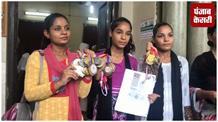 देश को सोना दिलाने वाली लड़कियां भीख मांगने को मजबूर