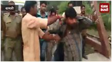 गाय चोरी करने के आरोप में दो युवकों की जमकर पिटाई