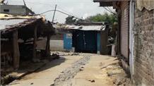 गांव में बवाल, घरों के बाहर दिखी तख्ती 'मामा चिट्ठी नहीं तो वोट नहीं'