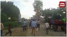 गोरखपुर में मुहर्रम के दौरान बवाल: गुस्साई भीड़ ने किया चौकी जलाने का प्रयास, दारोगा घायल
