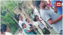 अज़गर मिलने से गांव में मचा हड़कंप, मौके पर नहीं पहुंची वन विभाग की टीम