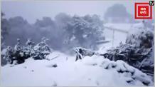 पौड़ी गढ़वाल में हुई सीजन की पहली बर्फबारी, बर्फीली वादियों स्थानीयों ने उठाया लुत्फ़