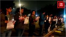 Delhi : Swati Maliwal के समर्थन में सैंकड़ों लोगों ने निकाला Candle March