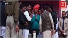 केजरीवाल ने बीजेपी पर शहीदों के नाम पर राजनीति करने के लगाए आरोप