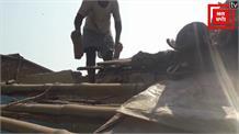 झुग्गी-झोपड़ियों में रहते हैं आदर्श गांव के ग्रामीण, नहीं मिला योजनाओं का लाभ