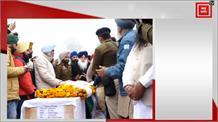शहीद के गाँव पहुँचे Sukhbir, Harsimrat और Sidhu होंगे अंतिम संस्कार में शामिल