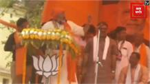 Giriraj Singh का एक और विवादित बयान, कहा-कब्र के लिए तीन हाथ जमीन चाहिए तो वंदेमातरम गाना होगा