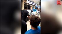 Video में देखिये कैसे जमीनी झगड़े में चली लाठियां