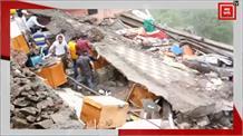 सोलन में कुमारहट्टी-नाहन रोड पर रेस्तरां का भवन गिरा, कई दबे, 7 को किया गया रेस्क्यू