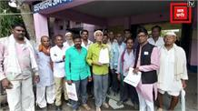बीमा राशि और मुआवजे की मांग को लेकर किसानों ने सौंपा कलेक्टर को ज्ञापन, दी अनिश्चितकालीन भूखहड़ताल की धमकी