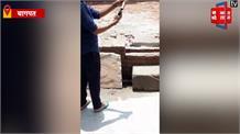 अवैध तमंचे से युवक ने दिनदहाड़े की खुलेआम फायरिंग, VIDEO VIRAL