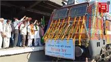 रेलवे ने कम की किसानों की टेंशन, इंदौर से गुवाहाटी के लिए किसान ट्रेन हुई रवाना, जानिए क्या हैं इसके फायदे