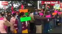 शिमला में निजी बसों के चालक,परिचालकों का प्रदर्शन