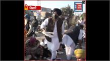 Delhi में किसानों के लिए बांटा गया गुरु का लंगर, देखें Video