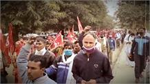 दिल्ली कूच को रोकने के लिए बॉर्डर सील, किसानों ने बदल दी अपनी रणनीति