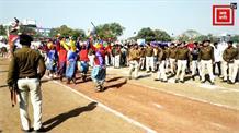 CM कमलनाथ ने किया ध्वजारोहण, नेहरू स्टेडियम में ली परेड की सलामी