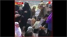Varanasi का 'बेनिया बाग' बना 'शाहीन बाग', महिलाओं की गिरफ्तारी के बाद पथराव