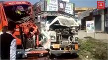 दर्दनाक हादसा: दो ट्रकों के बीच में पिस गया राहगीर
