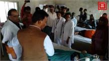 हॉस्पिटल पहुंचे मंत्री ने खाया मरीजों को दिया जाने वाला खाना, अनियमितताएं देख लगाई जिम्मेदारों को फटकार
