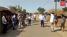 लोगों से परेशान होकर इन गांववासियों ने लगाया नाका, नहीं मानने वालों को सिखा रहे सबक