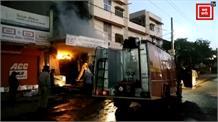 लॉकडाउन के बीच दुकान में लगी भीषण आग, लाखों का सामान जलकर खाक