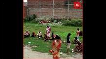 कोरोना काल में अंधविश्वास अपने चरम पर, कोरोना वायरस को 'कोरोना देवी माइ' कहकर पूज रही महिलाएं.