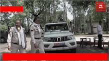 ट्रकों से अवैध वसूली करते पकड़े गए रहीसजादे, लग्जरी कार भी बरामद