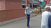 नियमों तोड़ने वालों पर ट्रैफिक पुलिस का शिकंजा... जमकर काटे चालान