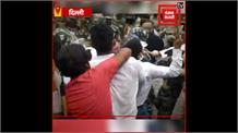 कानपुर में पुलिसकर्मियों की हुई शहादत के खिलाफ यूथ कांग्रेस का दिल्ली में प्रदर्शन