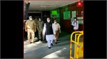 बिना अनुमतिLalu Prasad Yadav से मिलने पहुंचे कांग्रेस नेता सुबोधकांत सहाय, उड़ाई धज्जियां