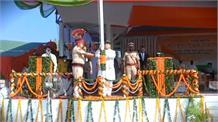 CM Khattarने पंचकूला में फहराया तिरंगा, तो स्पीकर ने Ambala में किया ध्वजारोहण
