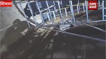 आखिरकार 100 साल पुराने ऐतिहासिक रिज मैदान पर बने 9 चेंबर वाले पानी के टैंक का काम प्रगति पर