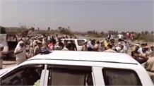खनन को लेकर सीमा पर आमने-सामने हुई Haryana और UP पुलिस, फिर देखिए क्या हुआ...