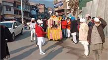 गुरु की नगरी मंडी में सादगी के साथ निकली गुरुपर्व पर शोभायात्रा