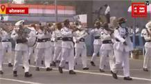 कोलकाता के रेड रोड में गणतंत्र दिवस पर गर्वनर जगदीप धनखड़ ने लहराया तिरंगा