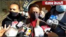 सिंधु बॉर्डर से शिमला पहुंच नारेबाजी करने वाले आंदोलनकारियों से मिलने थाने पहुंचे कांग्रेस अध्यक्ष राठौर
