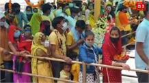 इस श्रद्धालु की श्रद्धा अपार, मां बज्रेश्वरी को दान किया 4.5 किलो सोने और 20 किलो चांदी का सिंहासन