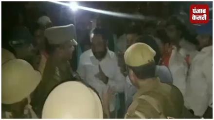 विहिप की शोभायात्रा के दौरान बवाल: दो पक्षों में जमकर हुआ पथराव, बेबस दिखी पुलिस