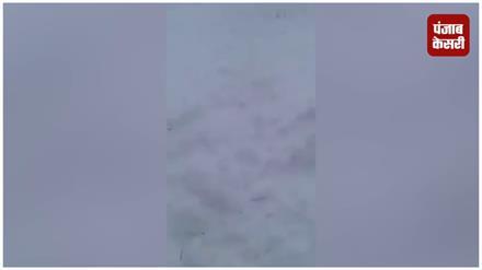 ज़ोजिला में पड़ी भारी बर्फबारी में फंसी SHO और उसकी टीम, बहादुरी ने बचाई जान