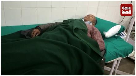 सड़क दुर्घटना: बारातियों से भरी जीप खाई में जा गिरी