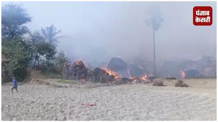 KHAGARIA: खगड़िया में दो दर्जन घर आग में जल कर ख़ाक  #FireinHouse #KhagariaNews #CrimeNewsKhagaria #BiharNews