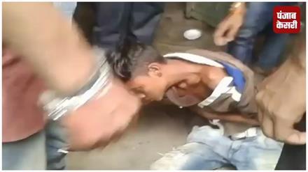 कटिहार में चोर पर फूटा भीड़ का गुस्सा, जमकर की पिटाई