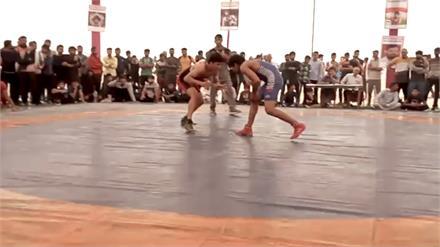 Sonipat के पहलवानों ने जीता खिताब, Bahadurgarh में कुश्ती प्रतियोगिता का समापन