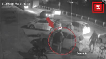 सरेआम Advocate-Doctor पर डंडे और रॉड से किया हमला, CCTV में कैद हुई वारदात