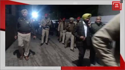 Ferozpur में हथियारबंद लुटेरों ने Gun Point पर लूटी Car