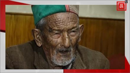 Modi के लिए चिंतित क्यों हैं देश के First Voter Shyam Saran Negi?