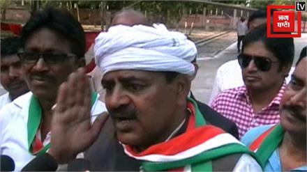 'बीजेपी ने कराया पुलवामा अटैक, कांग्रेस सरकार बनी तो दो दाढ़ी वालों को जेल में ठूंसेंगे'