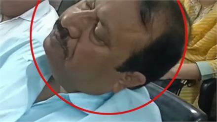 Doctors के विशेष समागम में पहुँचे SMO को आई नींद